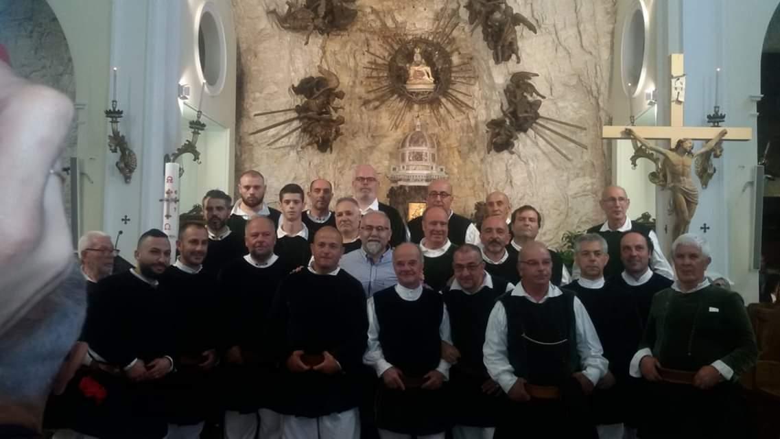 Il Coro Città di Ozieri nella Chiesa della Madonna della Corona di Spiazzi
